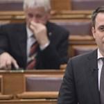 Fidesz: nem tekerik le a sorosozást