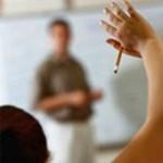 1000-1200 fővel csökken szeptembertől a tanárok száma