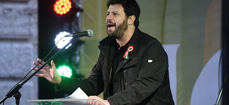 Lemond az LMP budapesti alelnöke, amiért a párt felmondta a Puzsérral kötött szerződést
