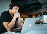 Magánügyeket intéz a dolgozó céges netről? Erre érdemes figyelni, hogy ne legyen baj