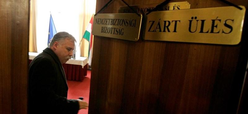 Korrupt rendőrökre fogta Laborc a Portik-találkát