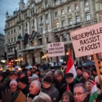 Egy embert előállítottak a Niedermüller elleni tüntetésen