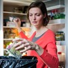 Kockacukor a sajt mellett, nedves törölközőben a spárga - praktikák, hogy ne romoljanak meg az élelmiszerek