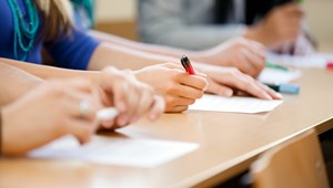 Fontos határidő közeledik, több tízezer általános iskolásra vár nagy döntés