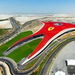 Luxus Ferrari vidámpark nyílt Abu-Dzabiban