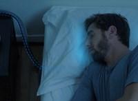 Hangok, okospohár és klimatizált párna segíthet átvészelni a kánikulát
