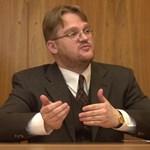 Répássy és Bárándy Gergely eltérő véleménye az alkotmányról