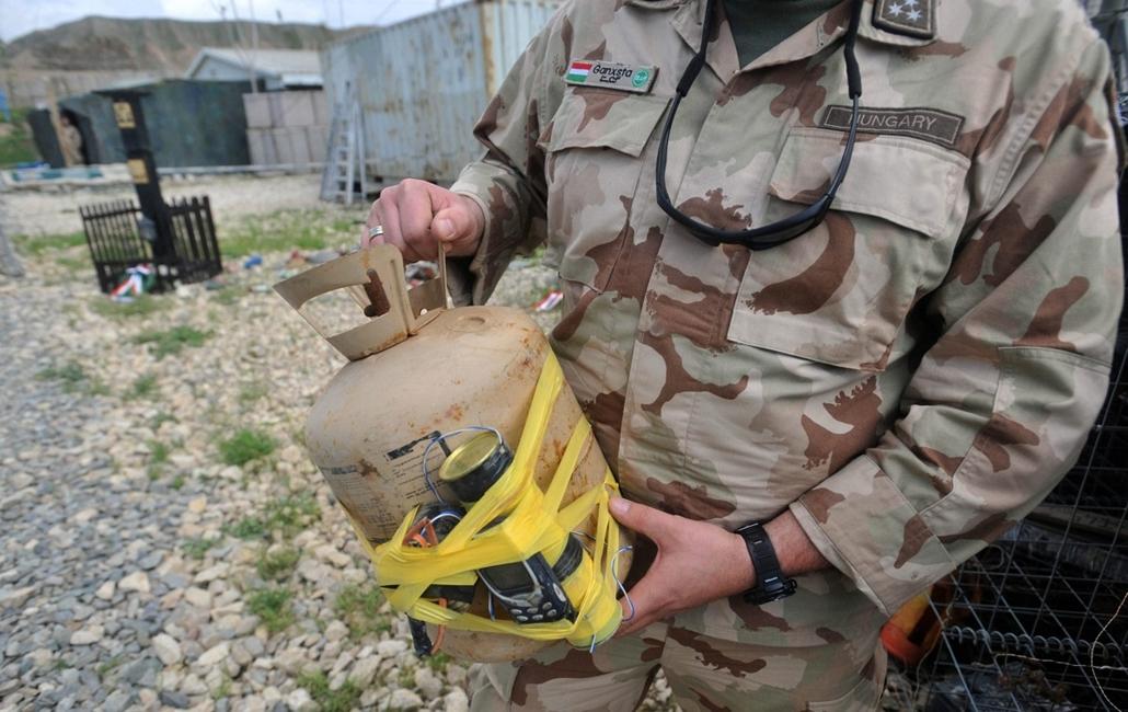 afganisztánban - házi készítésű bomba