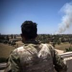 Orosz zsoldosok segítik a líbiai kormány székhelyét támadó hadurat