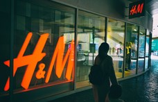 Most árult utoljára a H&M műanyag zacskókat