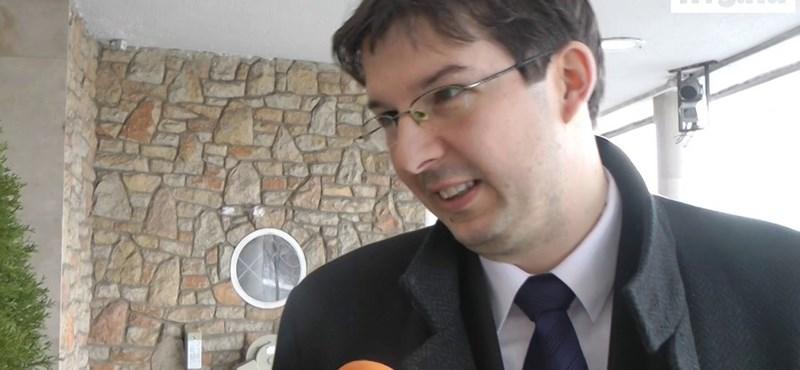 Jogerős: Zsiga Marcell vesztett Tóta W. Árpáddal szemben