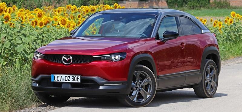 Az első elektromos Mazda: kipróbáltuk az MX-30-at