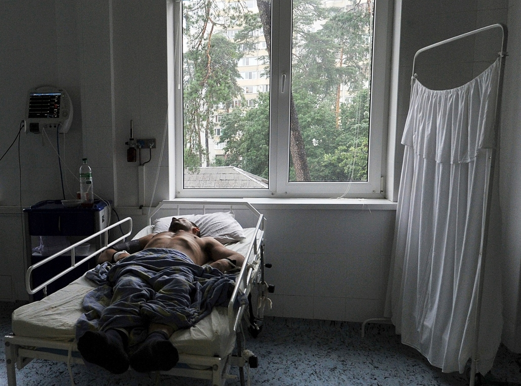 afp.10.07.06. - Kijev, Ukrajna: Gyógyíthatatlan beteg egy kijevi Aids-klinikán. - aids