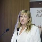 Schmidt Mária: Merkel Hitler tervét akarja megvalósítani, az ő műve a Sargentini-jelentés