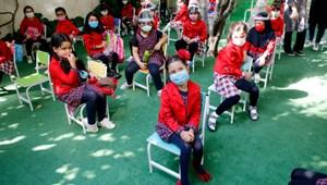 Külföldön is fokozatosan újraindul az élet az óvodákban és az iskolákban