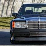 Nem véletlenül szuperdrága ez a szolidnak tűnő 31 éves Mercedes