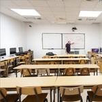 Itthon és külföldön is egyre több egyetem áll át a teljes online oktatásra