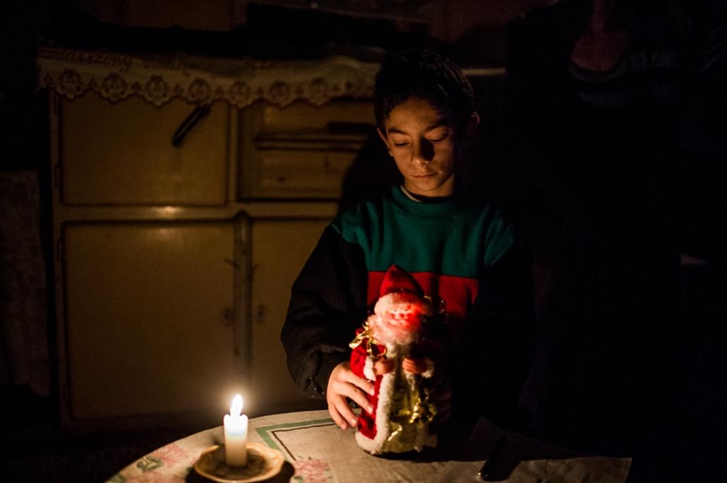 Sanyika karácsony, Tanya anyag