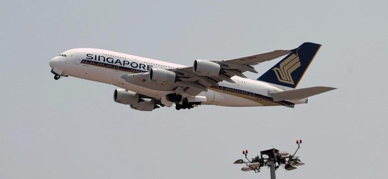 Gond lehet az Airbusnál, repedések lehetnek az A380-asok szárnyain
