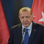 Erdogan államosítaná az ellenzék tulajdonrészét az ország legnagyobb bankjában