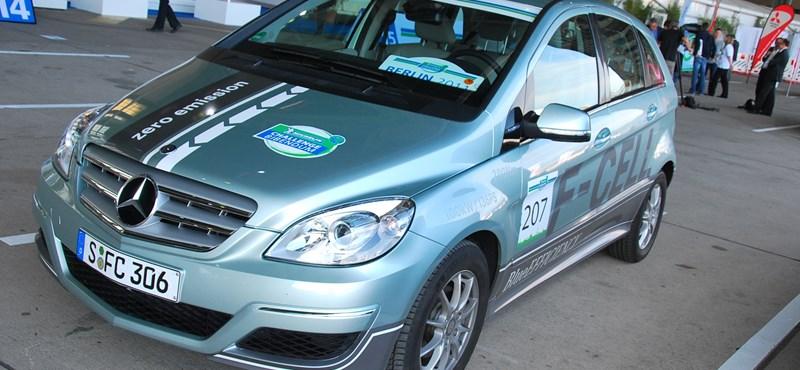 Tüzelőanyag-cellás Mercedest vezettünk