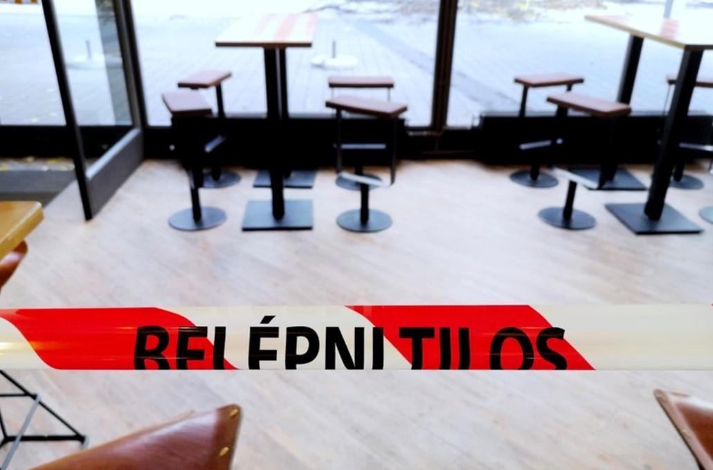 nagyítás koronavírus faz.20.11.26. koronavírus ; vírus ; covid-19 ; pandémia ; bolt , boltzár ; bezárt üzlet Budapesten