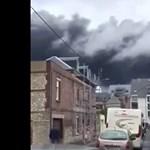 Veszélyes vegyi üzem gyulladt ki Rouenban – fotó, videó