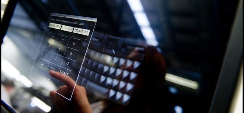 Így készül egy kétmillió forintot érő telefon - nagy fotók