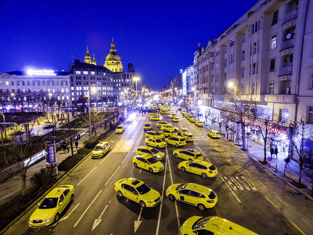 20160123005 - SA. Taxistüntetés, Über, taxisblokád, 2016.01.18.