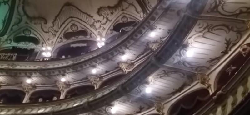 Allahról énekeltek a kolozsvári operában – szélsőjobbosok megzavarták az előadást