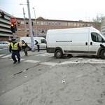 Három embert gázolt el egy megállóba csapódó autó a Lehel téren