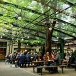Szerdán kinyitottak az éttermek és a hotelek Ausztriában
