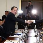 Kipróbálták a két Korea között felizzított forródrótot