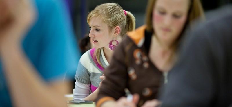 Fordulat a középiskolai felvételin: mindenki mehet írásbelizni