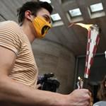 Más egyetemek hallgatói is beálltak az SZFE-s diákok október 23-i demonstrációja mögé