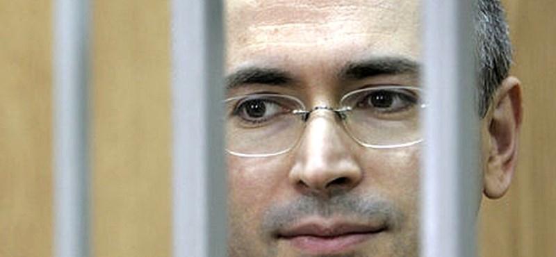 Medvegyev felülvizsgáltatja Hodorkovszkij ítéletét