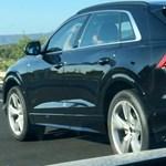 Lebukott: álcázás nélküli Audi Q8-at fotóztak le az autópályán