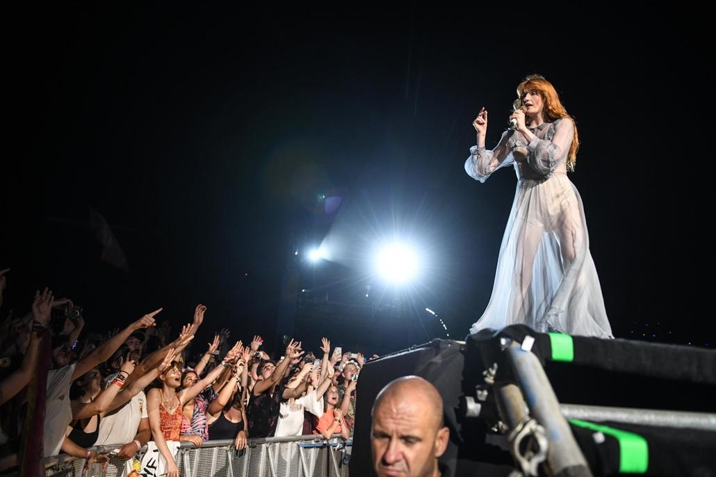 rev.19.08.12. Sziget fesztivál, Florence + The Machine, fiatal, tömeg, rajongó, közönség, koncert
