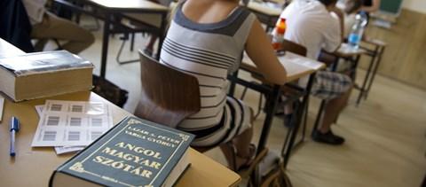 Nyelvvizsgára jelentkeznél? Ennyi feladatot kell megoldanod a kétnyelvű vizsgákon