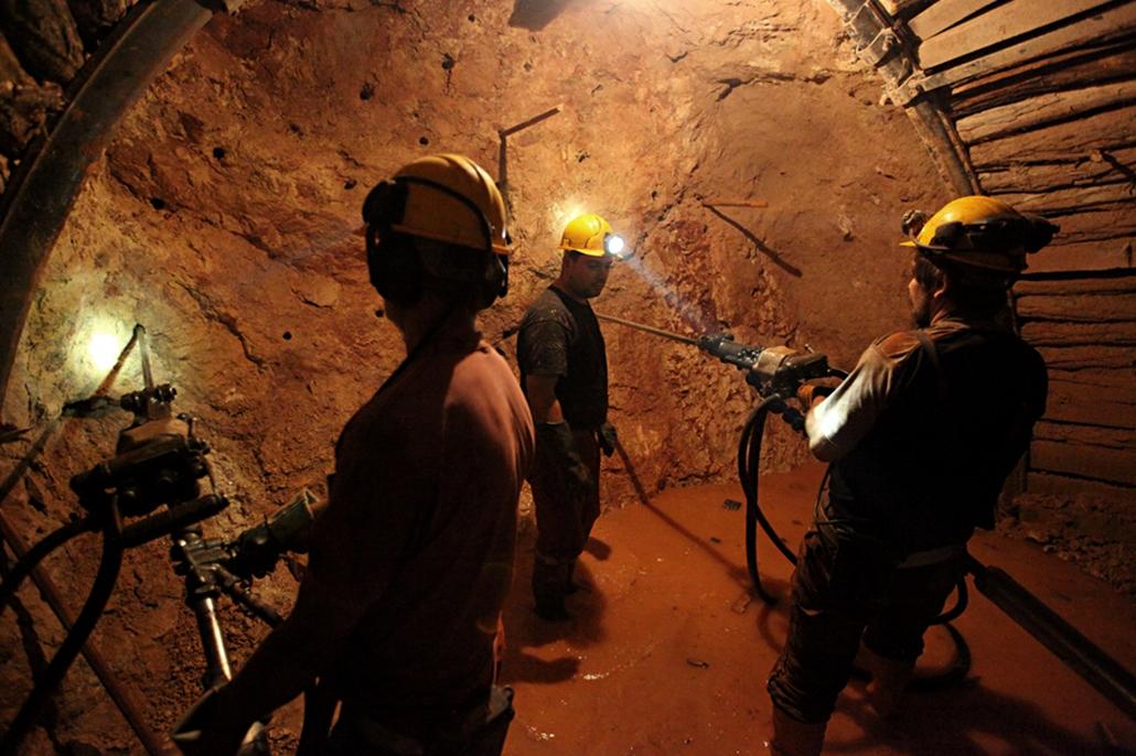 Bauxit bánya
