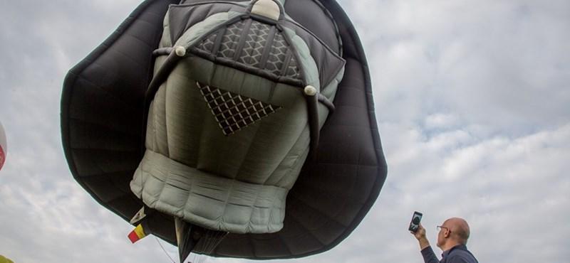Hatalmas Darth Vader-hőlégballon repült át Bristol felett