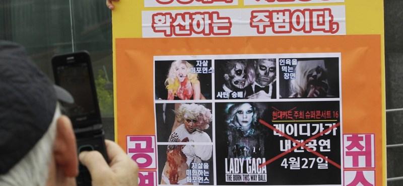 Kiakadtak Lady Gagán a dél-koreai keresztények