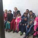 Fotó: 7 gyereket próbáltak megszöktetni a vámosszabadi menekülttáborból