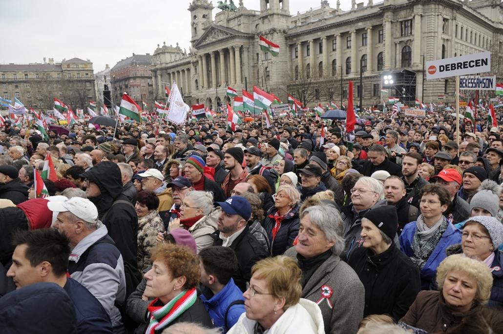 fm.18.03.15. - 2018marcius15 - Békemenet Kossuth Tér Orbán Viktor