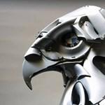 A művészet ereje: csodás autós szobrok ócska dísztárcsákból