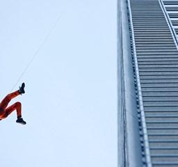 Pókember: felhőkarcolók tetejére puszta kézzel - Nagyítás