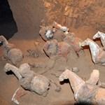Fotókat közöltek egy titkozatos nő sírjáról, a régészek szenzációról beszélnek