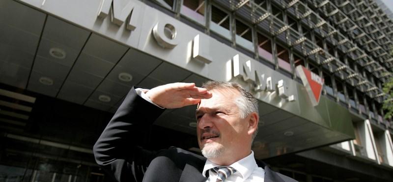 Az Interpol kiadta a nemzetközi körözést a Mol-vezér ellen