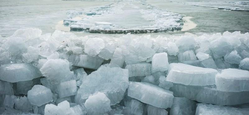 Sarki jégtáblákba lefúrva is találtak mikroműanyagokat kutatók