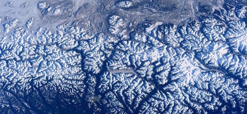 Negatív rekord: elképesztő mértékben olvadnak a Föld jégtakarói